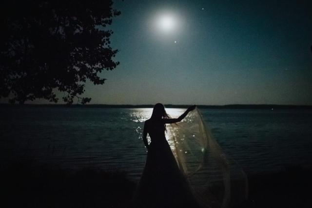 Wesele na mazurach, oczekiwanie na pełnie księżyca przy jeziorze śniardwy